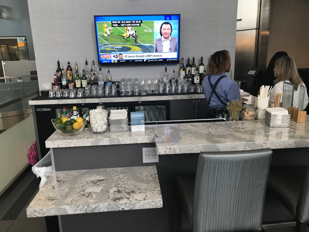 The Club at DFW - Bar